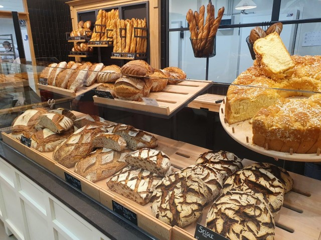 boulangerie-chez-victor-et-louise-vitrine1-5395