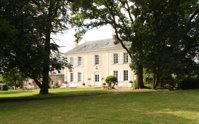 facade-jardin-manoir-estuniere-4470