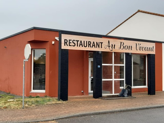 restaurant-au-on-vivant-corsept-facade-5935