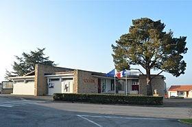 280px-saint-viaud-mairie-1549