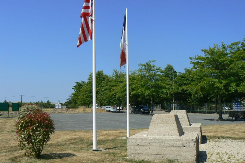 base-aeronavale-de-la-ville-en-bois-saint-viaud