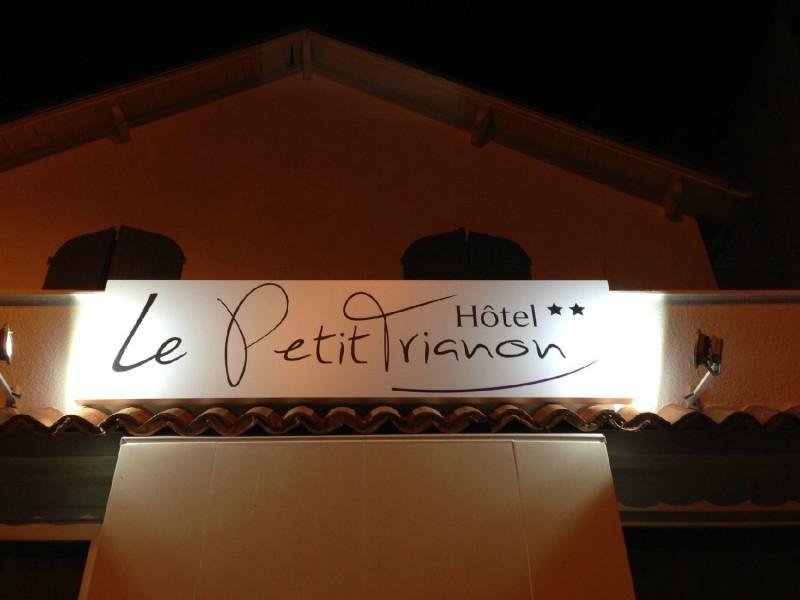 hotel-le-petit-trianon-saint-brevin-4