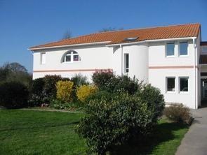 maison-familiale-st-pere-location-salle-2-1655