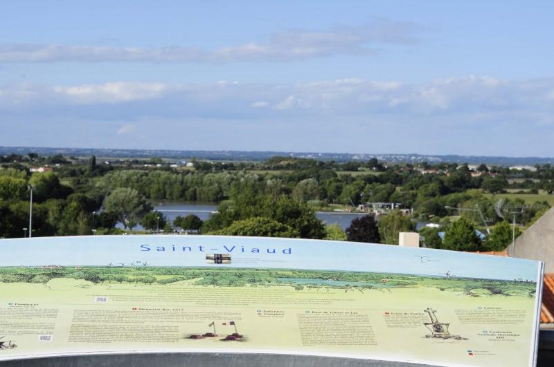 Terrasse-Panoramique-de-Saint-Viaud-2