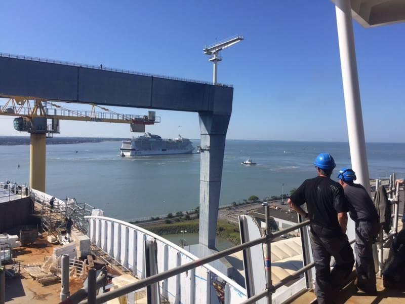 visiteurs-stx-chantiers-navals-st-nazaire-st-brevin-visite-2-1800