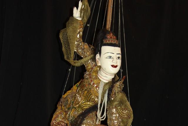 exposition-marionnettes-du-monde1-4552