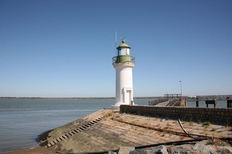 phare-de-paimboeuf-13171